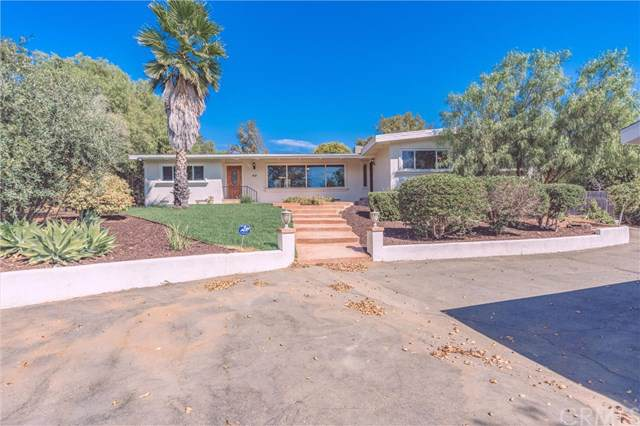 1037 Beverly Drive, Vista, CA 92084 (#301651263) :: Whissel Realty