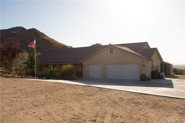 14938 Byron Drive, Apple Valley, CA 92307 (#301651384) :: Cay, Carly & Patrick | Keller Williams