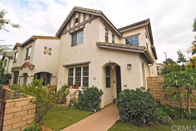 802 Albion Court, Corona, CA 92880 (#301652411) :: The Yarbrough Group