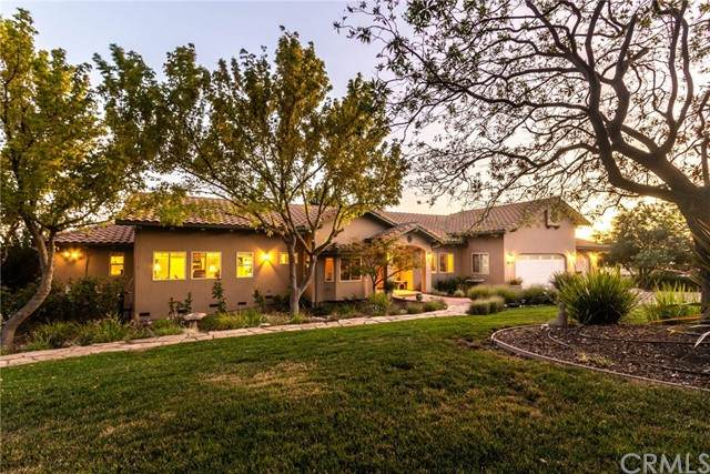 1615 Cumbre Road, Paso Robles, CA 93446 (#301653352) :: Keller Williams - Triolo Realty Group