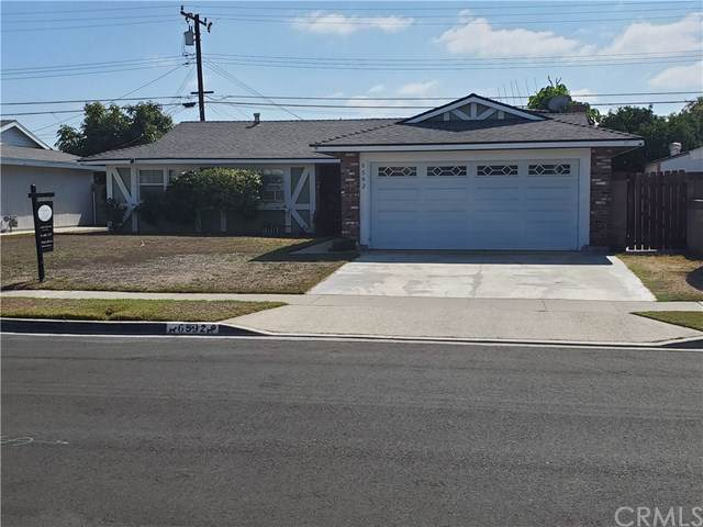 6592 Santa Catalina Avenue, Garden Grove, CA 92845 (#301657107) :: Whissel Realty