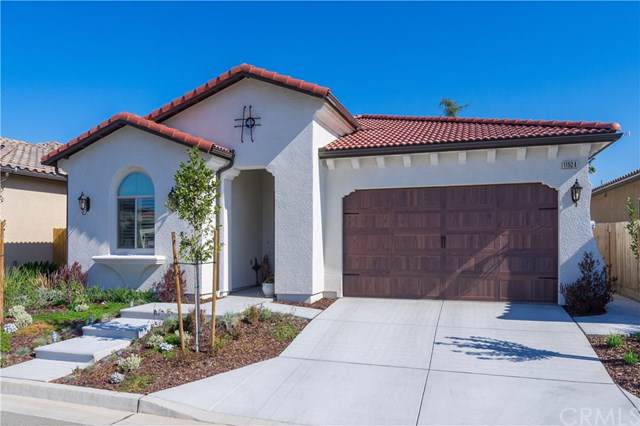 11524 N Via Venitzia Avenue, Fresno, CA 93730 (#301660277) :: Whissel Realty