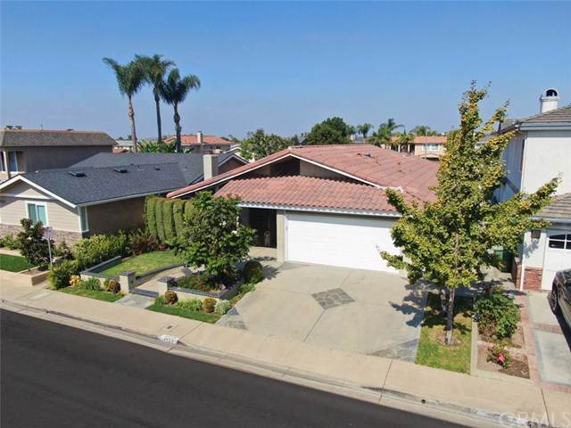 4725 Candleberry Avenue, Seal Beach, CA 90740 (#301662183) :: Whissel Realty