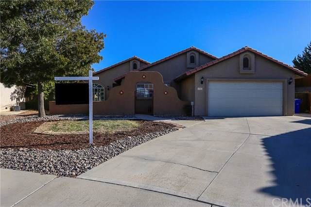 12421 Parkwood Place, Victorville, CA 92392 (#301662337) :: COMPASS