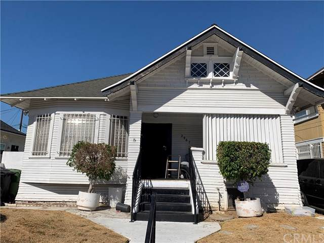 2967 W 14th Street, Los Angeles, CA 90006 (#301667650) :: Whissel Realty