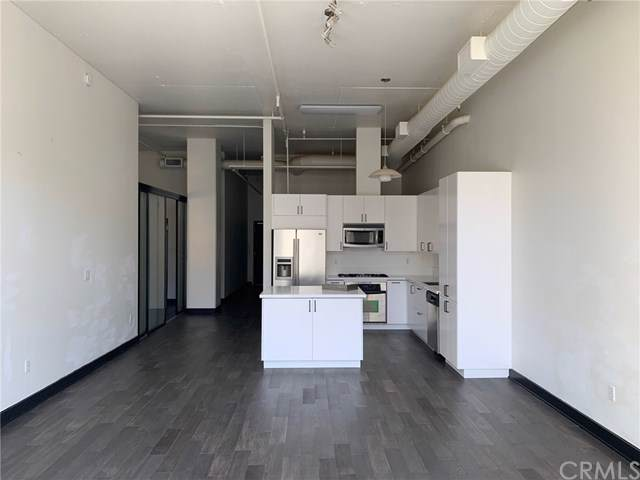 645 W 9th Street #740, Los Angeles, CA 90015 (#301667864) :: Whissel Realty