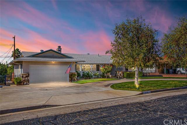 1150 Holly Lane, Calimesa, CA 92320 (#301690619) :: Whissel Realty
