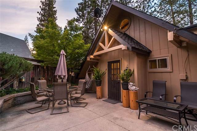 37714 Marina View Dr, Bass Lake, CA 93604 (#301693618) :: Whissel Realty