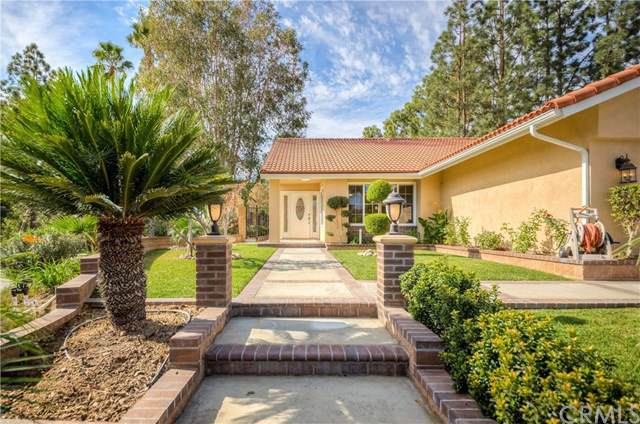 1217 Summersworth Place, Fullerton, CA 92833 (#301693778) :: Whissel Realty