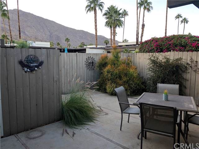 1111 E Palm Canyon Drive #371, Palm Springs, CA 92264 (#301695225) :: Whissel Realty