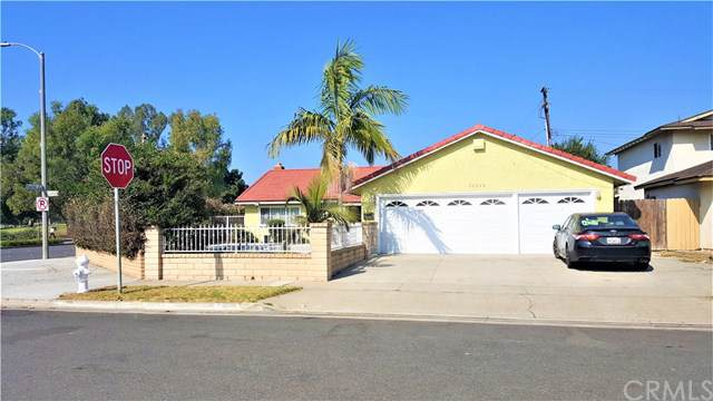 11015 Camellia Avenue, Fountain Valley, CA 92708 (#301759095) :: Whissel Realty