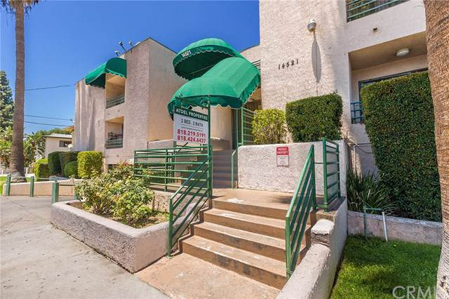 14521 Hartland Street, Van Nuys, CA 91405 (#301765114) :: Keller Williams - Triolo Realty Group