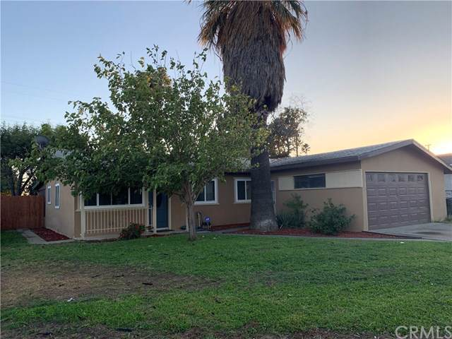 19445 Chaparral Street, Rialto, CA 92376 (#301880595) :: Whissel Realty