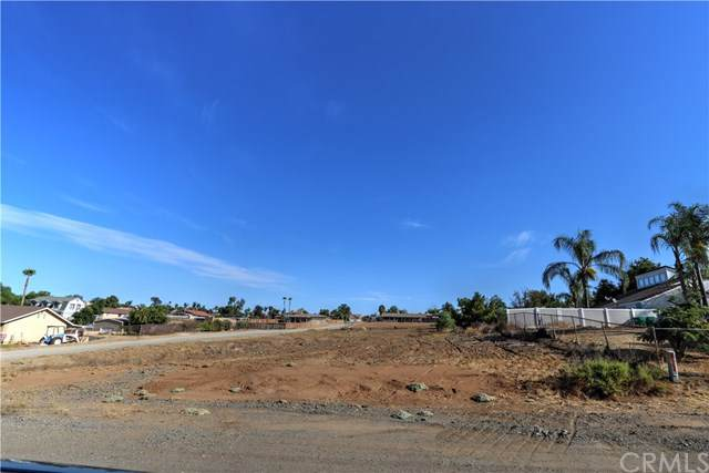 5 Newman, Riverside, CA 92508 (#301885407) :: Whissel Realty