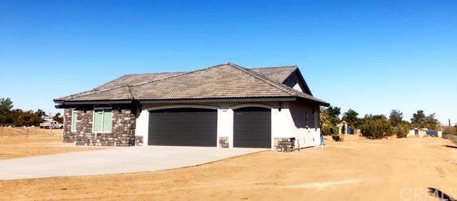 19155 Saddle Lane, Apple Valley, CA 92308 (#302012349) :: Whissel Realty