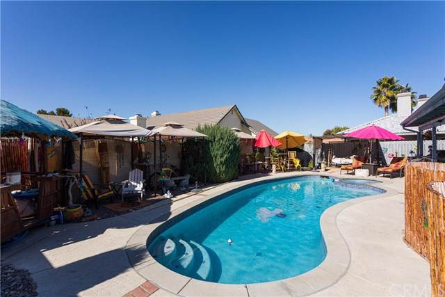 12900 Rolling Ridge Drive, Victorville, CA 92395 (#302012363) :: Whissel Realty