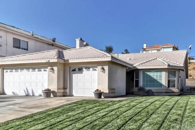 13600 Sierra Vista Drive, Victorville, CA 92395 (#302037598) :: Whissel Realty
