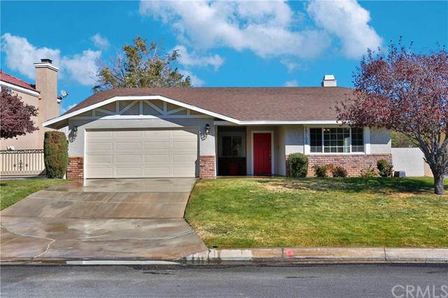 13105 Caspian Drive, Victorville, CA 92395 (#302047163) :: Whissel Realty