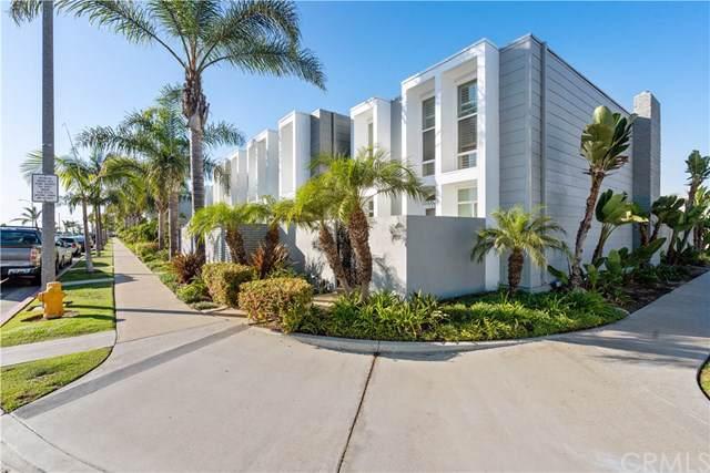 4073 Warner Avenue, Huntington Beach, CA 92649 (#302047218) :: Whissel Realty