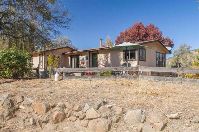 36939 Hawthorne Lane, Squaw Valley, CA 93675 (#302068126) :: Whissel Realty