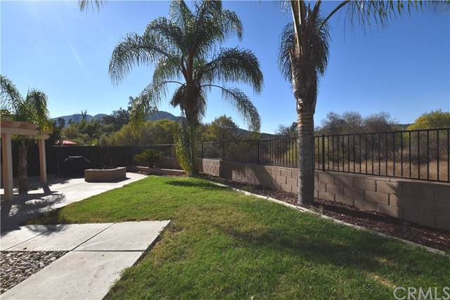 45011 Putting Green Court, Temecula, CA 92592 (#302072517) :: Whissel Realty