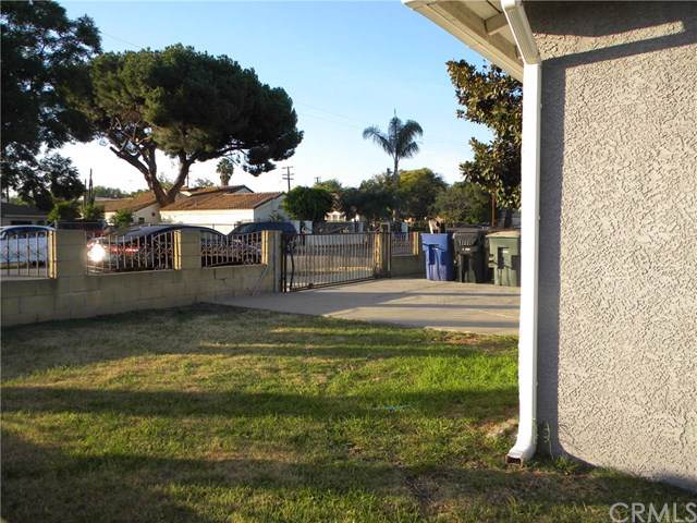 933 S Caldwell Avenue, Ontario, CA 91761 (#302072560) :: Whissel Realty