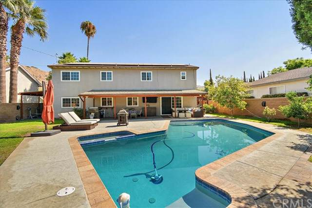 818 Kentwood Drive, Riverside, CA 92507 (#302083341) :: Whissel Realty