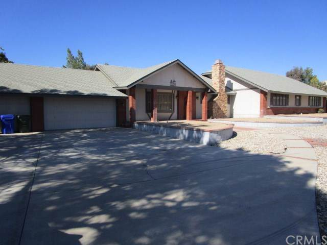 13120 Modoc Court, Apple Valley, CA 92308 (#302093943) :: Whissel Realty