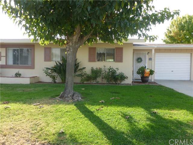 28207 Pebble Beach Drive, Menifee, CA 92586 (#302097388) :: Whissel Realty