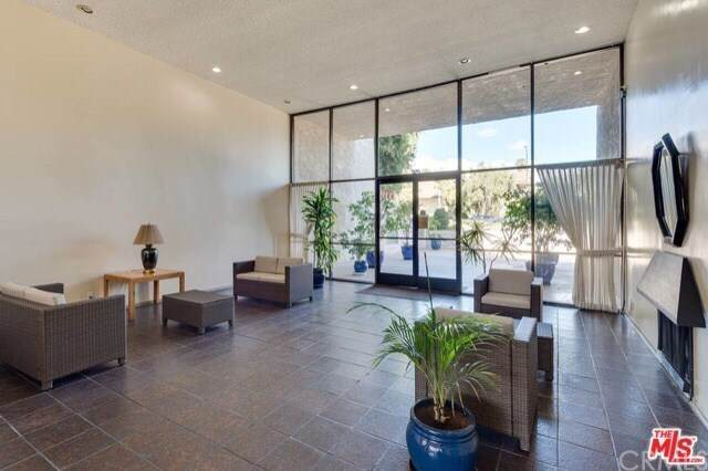 1401 Valley View Road #228, Glendale, CA 91202 (#302104372) :: Whissel Realty