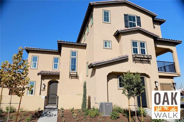 10525 Acorn Place, Los Alamitos, CA 90720 (#302140674) :: Whissel Realty