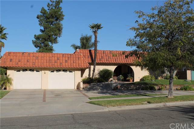 1815 Moreno Avenue, Corona, CA 92879 (#302154671) :: Whissel Realty