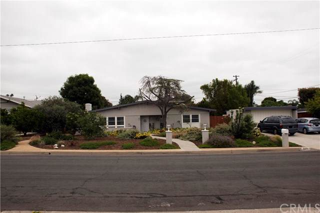 5230 Fox Hills Avenue, Buena Park, CA 90621 (#302184865) :: Whissel Realty