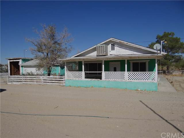 9578 Chickasaw, Lucerne Valley, CA 92356 (#302194189) :: Whissel Realty