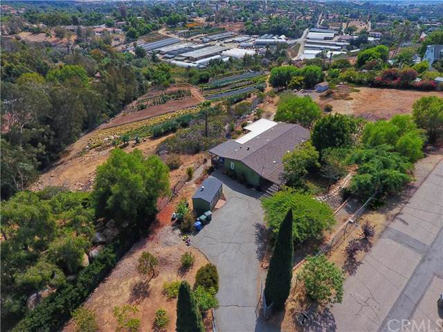 724 Sunrise Drive, Vista, CA 92084 (#302295805) :: Whissel Realty