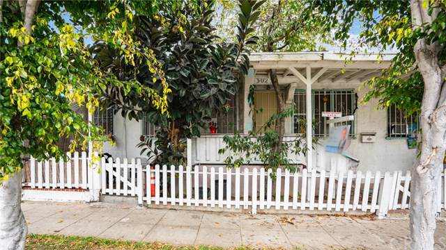 3025 W 60th Street, Los Angeles, CA 90043 (#302296237) :: Whissel Realty