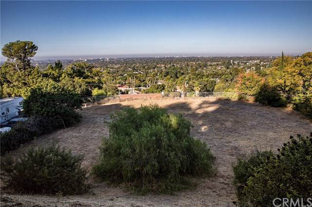 1631 Foothill, North Tustin, CA 92705 (#302297074) :: Whissel Realty