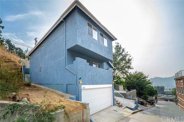 3032 Future Place, Los Angeles, CA 90065 (#302303012) :: Compass