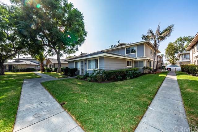 1112 S Mantle Lane 18B, Santa Ana, CA 92705 (#302303260) :: Whissel Realty
