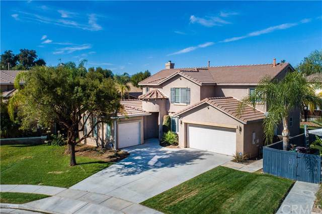 28183 Agave Way, Murrieta, CA 92563 (#302304038) :: Whissel Realty