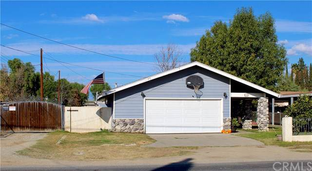 955 7th Street, Norco, CA 92860 (#302307562) :: COMPASS