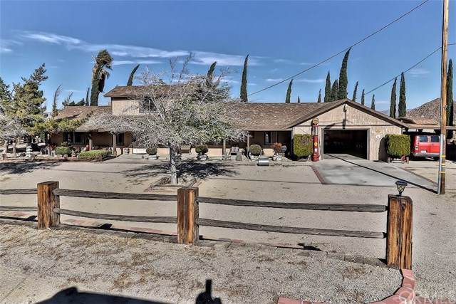 31919 Carnelian, Lucerne Valley, CA 92356 (#302309673) :: Whissel Realty