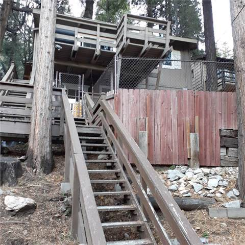 726 Golden Drive, Lake Arrowhead, CA 92352 (#302310574) :: Whissel Realty