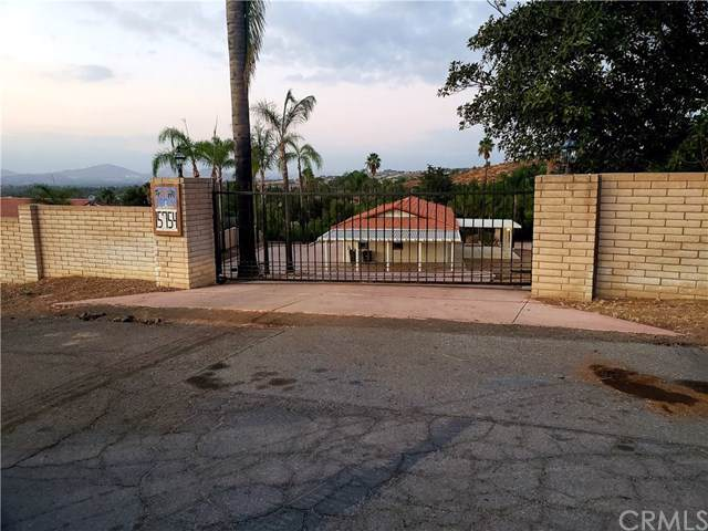 15754 Indian Creek, Riverside, CA 92506 (#302310969) :: Whissel Realty