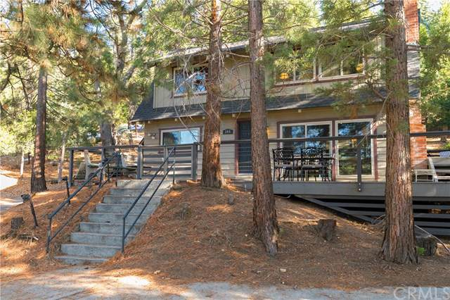 245 Grass Valley Road, Lake Arrowhead, CA 92352 (#302313016) :: Whissel Realty