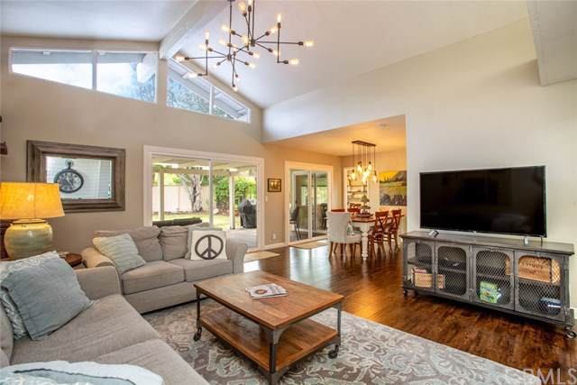 411 S Paseo Real, Anaheim Hills, CA 92807 (#302313425) :: Whissel Realty