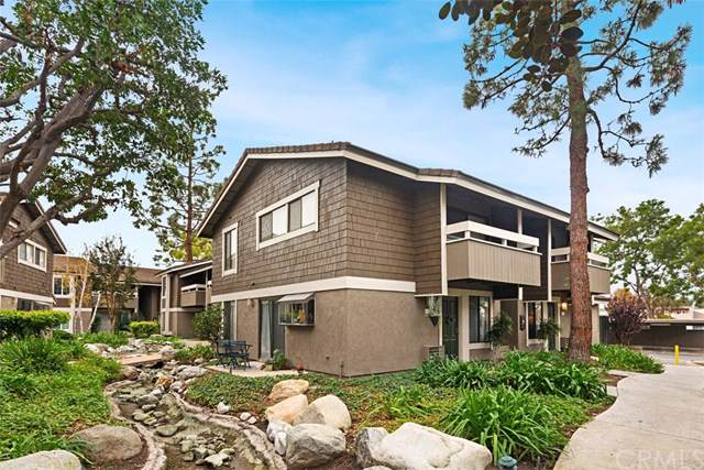 113 Streamwood, Irvine, CA 92620 (#302314457) :: Whissel Realty