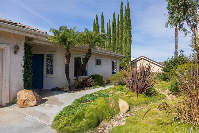 1521 Todos Santos Place, Fallbrook, CA 92028 (#302315528) :: Whissel Realty