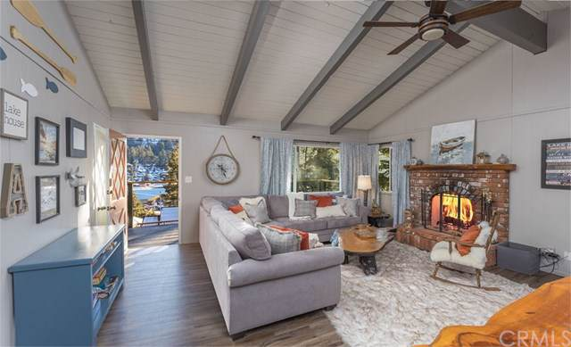39054 Bayview Lane, Big Bear, CA 92315 (#302315728) :: Whissel Realty