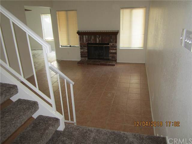 5050 Canyon Crest Drive #18, Riverside, CA 92507 (#302315878) :: Whissel Realty